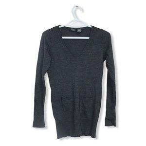 🎀 3/$30 Joyce Leslie Sweater V Neck Top